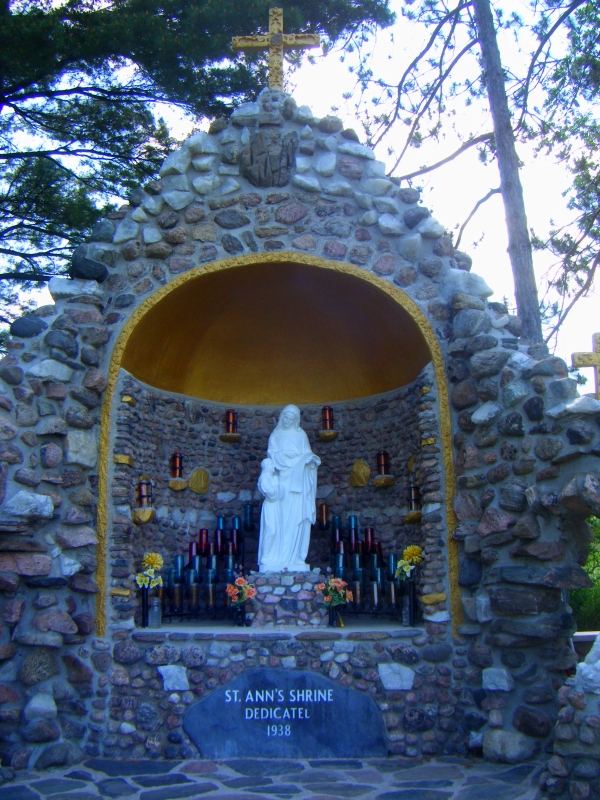 Shrine of Saint Anne - alcove