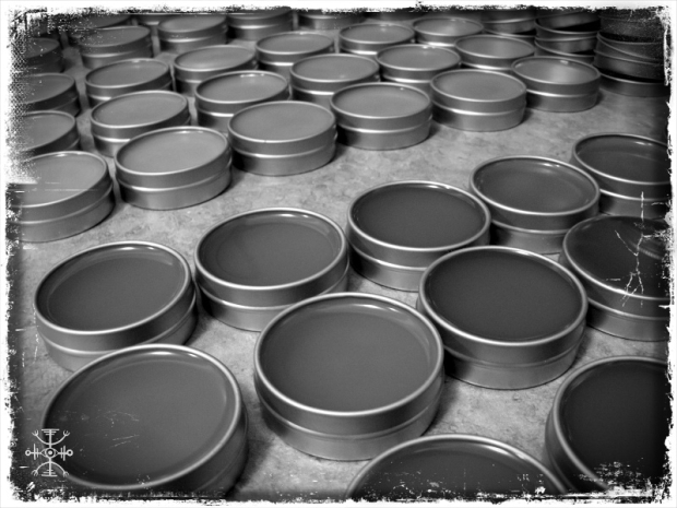 Freshly poured flying ointments